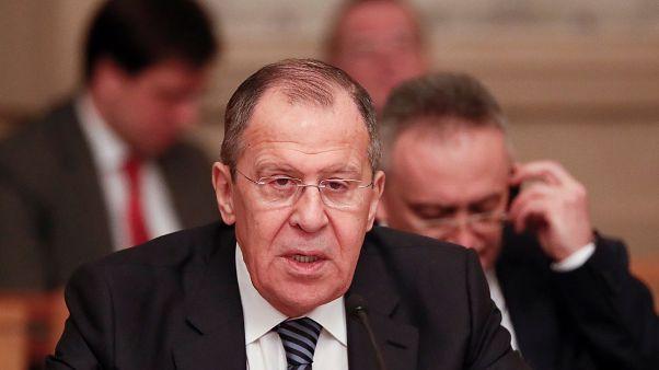 Λαβρόφ προς ΗΠΑ: Εγκαταλείψτε τα σχέδια για ανατροπή Μαδούρο