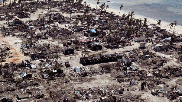 Помощь пострадавшим от циклона
