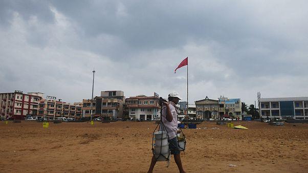 Hindistan'da Fani siklonu sebebiyle 800 bin kişi evlerini terk etti