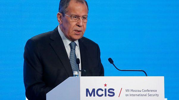 لافروف: موسكو لم تطلب من مادورو البقاء في فنزويلا