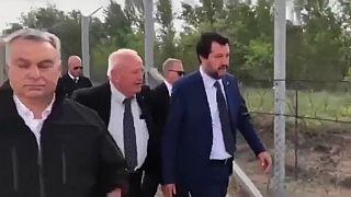 Prima tappa di Salvini in Ungheria: il muro di recinzione con la Serbia