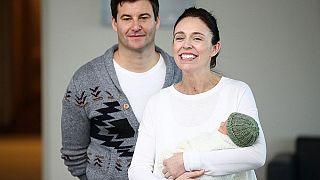 Yeni Zelanda Başbakanı Ardern, Clarke Gayford ve kızları, Haziran 2018