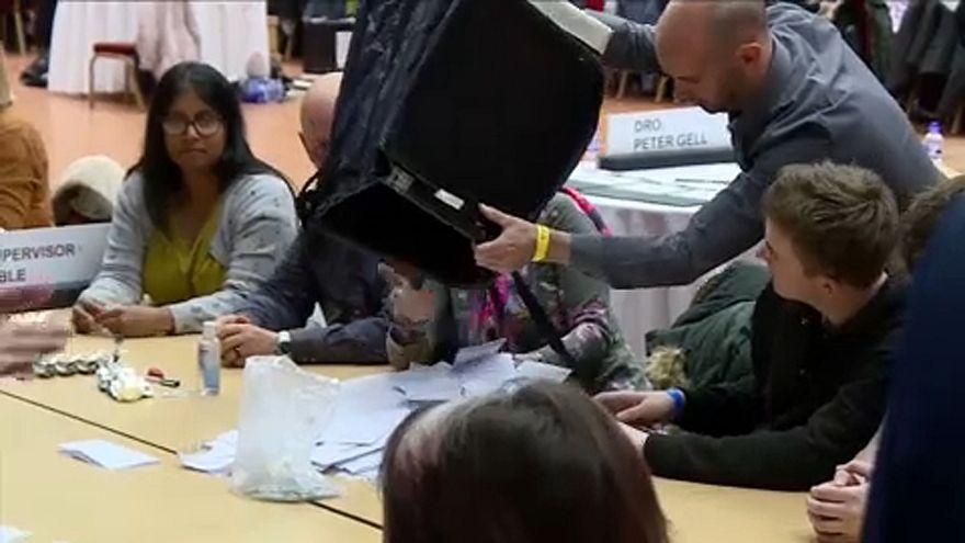 Kommunalwahlen in England und Nordirland: Schlappe für Labour und Tories