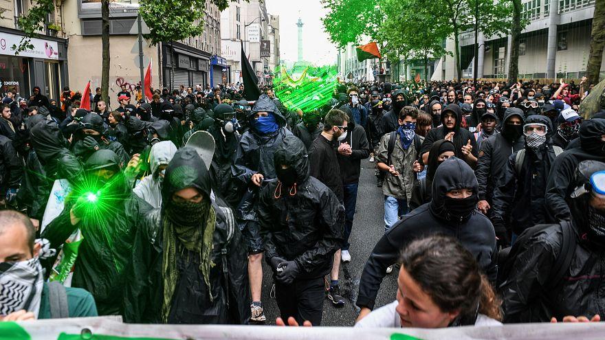 Şiddeti meşru yöntem olarak gören Black Bloc ve sosyal hareket Sarı Yelekliler arasında bağ var mı?
