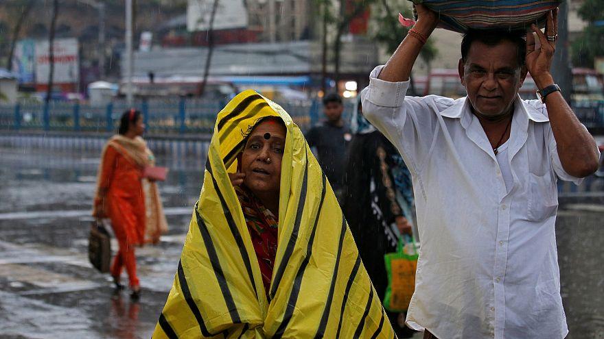Un ciclón obliga a evacuar a un millón de personas en la India
