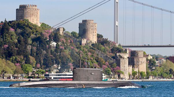 Montrö Boğazlar Sözleşmesi'ne göre Rus denizaltıları boğazlardan geçebilir mi?