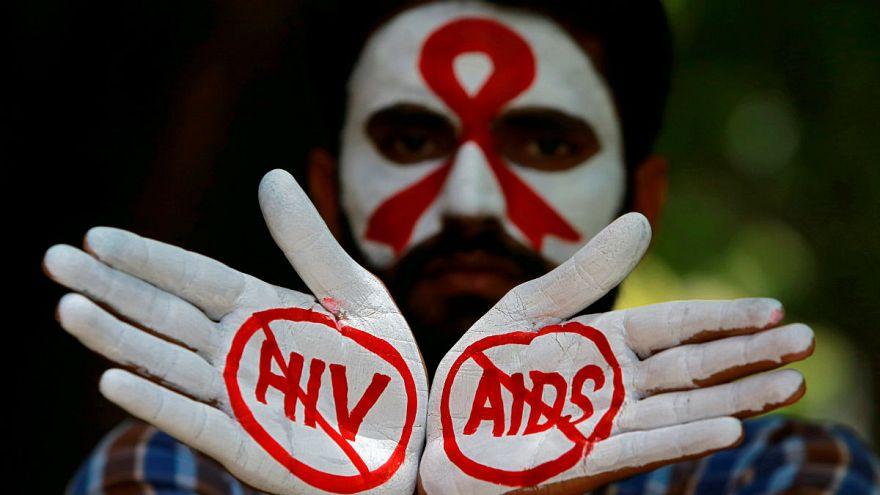 Közel az áttörés az AIDS gyógyításában
