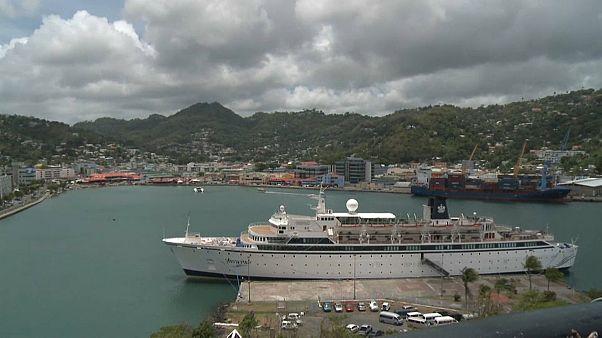 Σε καραντίνα το κρουαζιερόπλοιο με τους Σαϊεντολόγους λόγω ιλαράς