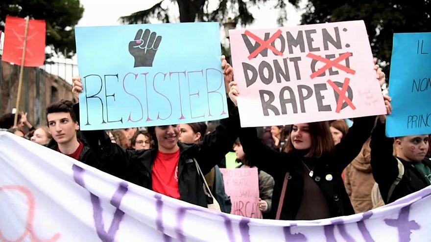 Italia, indietro tutta sui diritti delle donne. Il rapporto Censis fotografa la condizione femminile