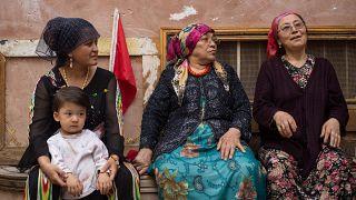 Uygur Türkleri'nin her hareketi kayıt altına alınıyor: Komşuyla görüşmemek şüpheli sayılıyor