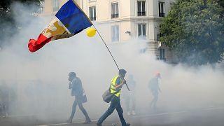 سخنان جنجالی وزیر کشور فرانسه در باره «حمله» معترضان به یک بیمارستان