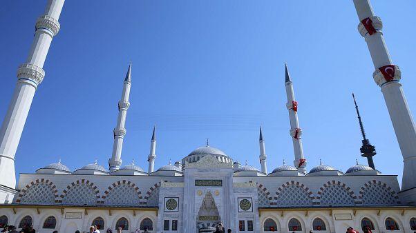 Büyük Çamlıca: Türkiye'nin en büyük camisi Erdoğan'ın katılımıyla açıldı