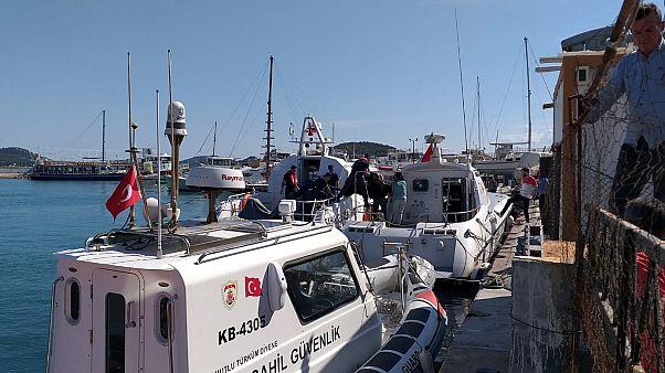 Düzensiz göçmenleri taşıyan tekne battı: 9 ölü, 3 kayıp