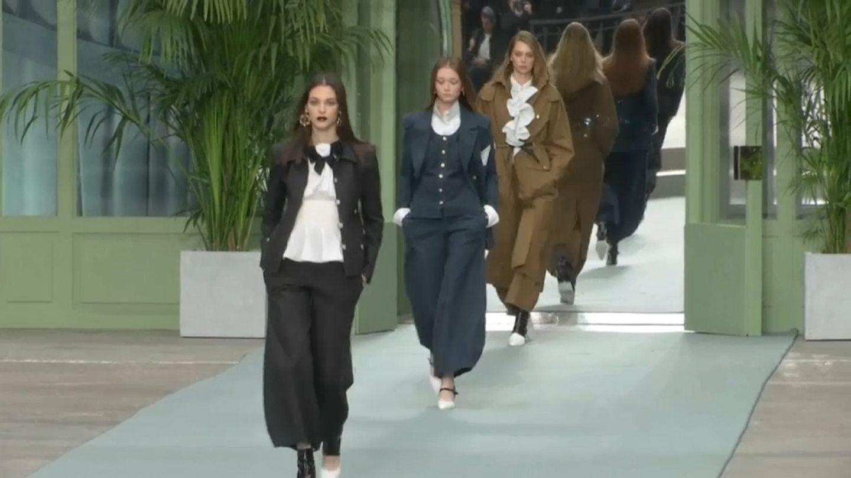 Watch Chanel Stages First Fashion Show Under New Designer Euronews