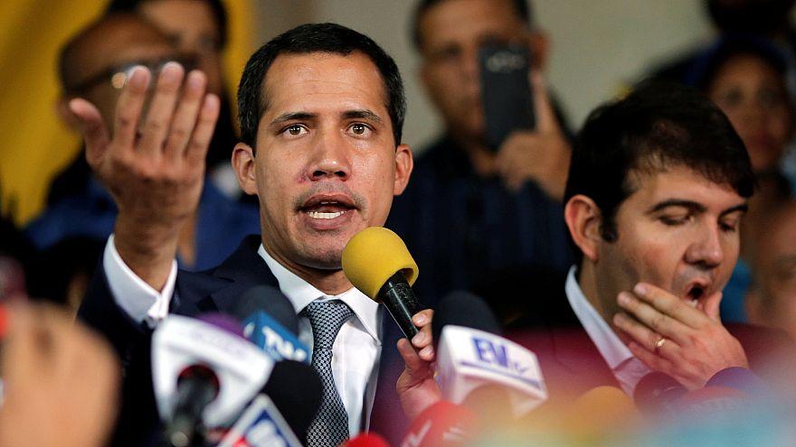 Guaidó újabb tüntetésekre szólít
