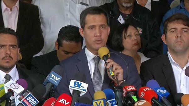 """Guaidó: """"Non molleremo"""""""
