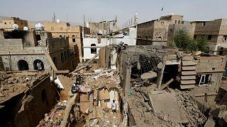 مقتل ستة مدنيين في تفجير يشتبه بوقوف تنظيم القاعدة ورائه في اليمن