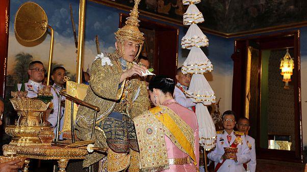 برگزاری مراسم تاجگذاری پادشاه تایلند؛ واجیرالونگ کورن کیست؟
