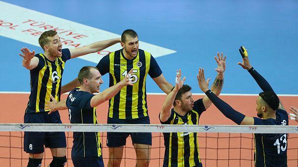 Voleybol Efeler Ligi'nde Arkas Spor'u 3-0 mağlup eden Fenerbahçe şampiyon oldu