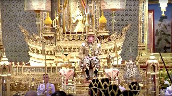 Thaïlande : cérémonie de purification avant le couronnement du roi
