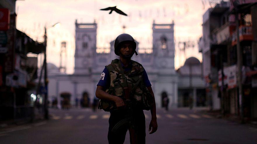 """رئيس سريلانكا يتعهد """"بالقضاء على الإرهاب"""" وتحقيق الاستقرار قبل الانتخابات"""