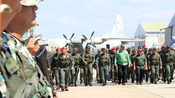 رئیس جمهوری ونزوئلا از ارتش خواست تا برای مقابله با حمله احتمالی آمریکا آماده باشد