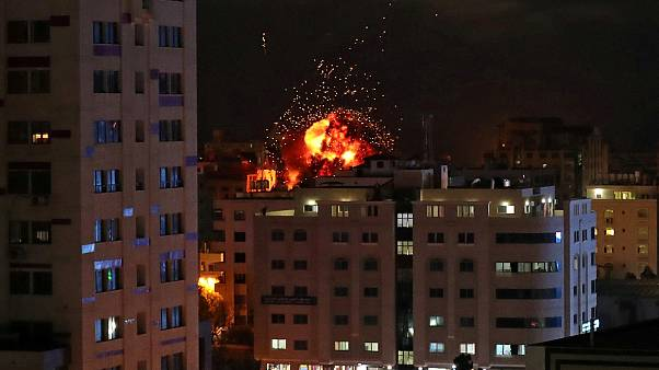 كتلة من اللهب خلال قصف إسرائيلي على قطاع غزة