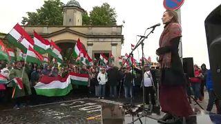 A magyar himnusz éneklésével tüntettek Pozsonyban