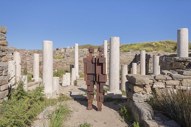 Oak Taylor Smith | Courtesy ΝΕΟΝ, Εφορεία Αρχαιοτήτων Κυκλάδων και o καλλιτέχνης
