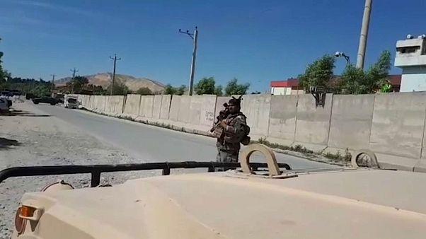 من أمام موقع الهجوم في أفغانستان