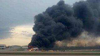 Russie : au moins 41 morts dans l'incendie d'un avion à Moscou