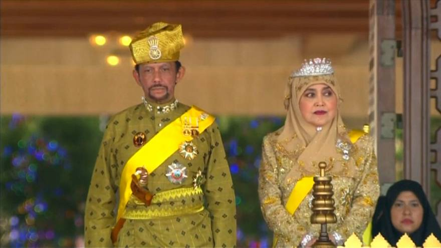 Brunei: marcia indietro, niente lapidazione per i gay