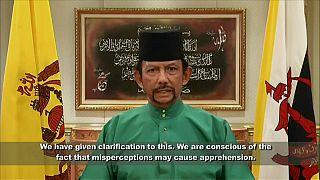 عقبنشینی سلطان برونئی: همجنسگرایان، زناکاران و توهین کنندگان به پیامبر را اعدام نمیکنیم