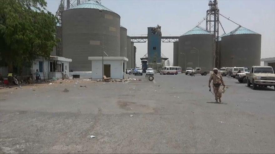 الوصول إلى 51 ألف طن من القمح قد ينقذ ملايين من المجاعة في اليمن