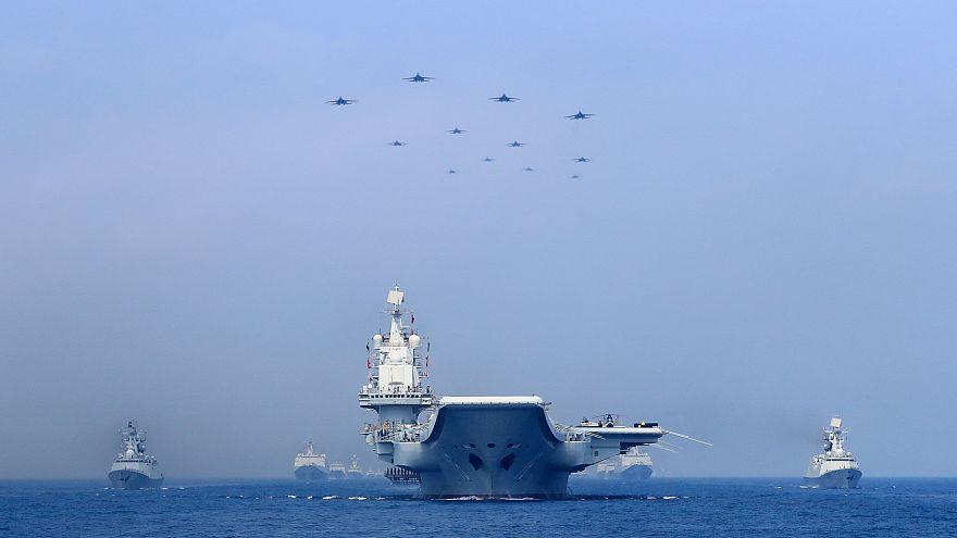سفينتان حربيتان أمريكيتان تبحران في بحر الصين الجنوبي المتنازع عليه