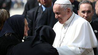 """Il Papa in Bulgaria: """"Rifugiati e migranti portano la croce"""""""