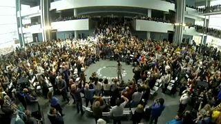 اليسار في البرلمان الأوروبي.. كتلةٌ صغيرة بصوّتٍ صاخب