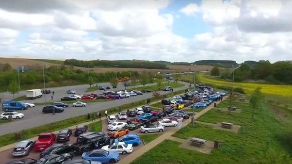 Almanya'da yasa dışı yarış iddiası: Yüzü aşkın lüks araçlı konvoya polis baskını