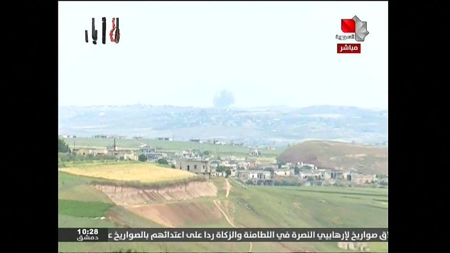 التلفزيون السوري: قوات الأسد تشن غارات على شمال حماة