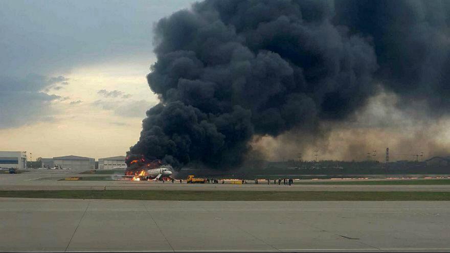 سانحه برای هواپیمای سوخوی روسیه در فرودگاه مسکو چگونه رقم خورد؟