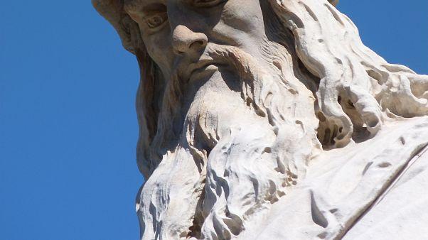 متحف إيطالي يتطلع لإنهاء الغموض حول شعر دافنشي