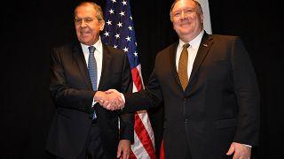 Λαβρόφ: «Καταστροφικό σενάριο» η στρατιωτική λύση στη Βενεζουέλα