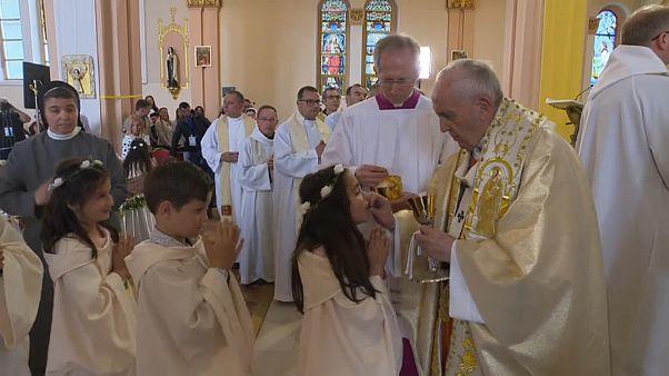 Szófia: Ferenc pápa vallási közösségek vezetőivel imádkozott a békéért