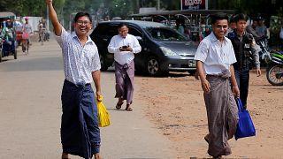 Два журналиста агентства Reuters освобождены из тюрьмы - СМИ