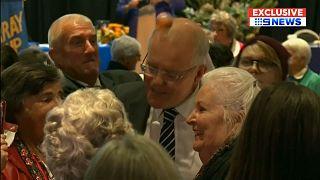 Tojással dobálták meg az ausztrál miniszterelnököt