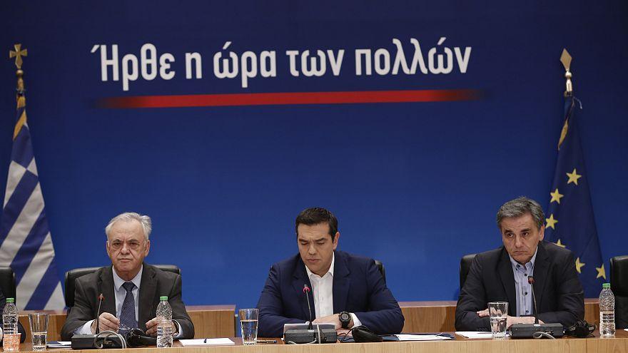 Πακέτο ελαφρύνσεων ανακοίνωσε ο Αλέξης Τσίπρας