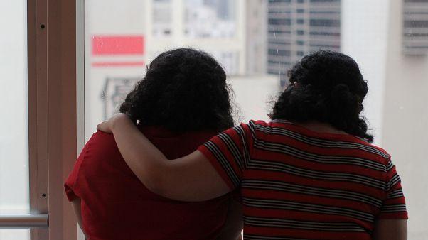 الأختان السعوديتان بالأسماء المستعارة ريم وروان في هونغ كونغ - الصين