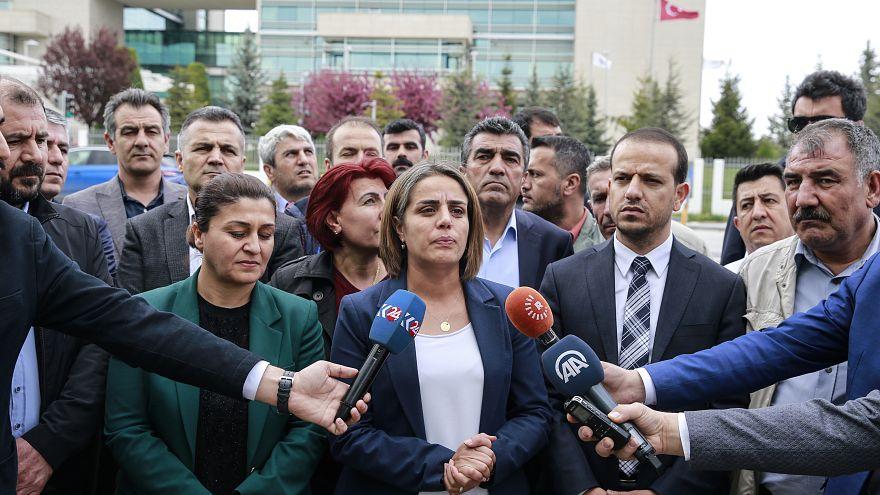 HDP, YSK'nın KHK'lı adaylara mazbata verilmemesi kararını AYM'ye taşıdı