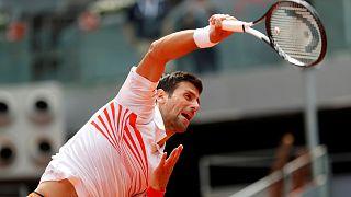 Djokovic arranca con buen pie en Madrid