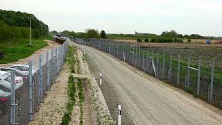 Hungarian TV claims socialist MEP Ujhelyi pledged to dismantle border fence